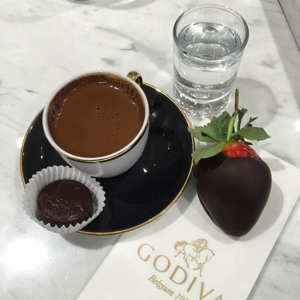 godiva çikolata kaplı çilek