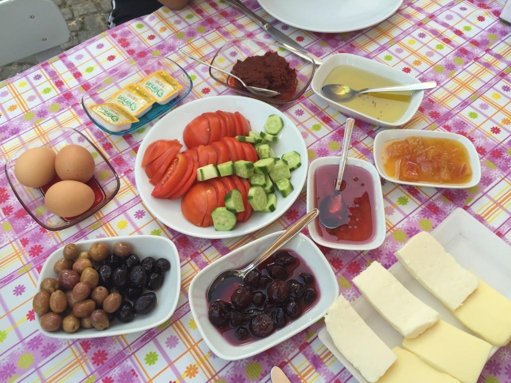 lalezar_bozcaada_kahvaltı